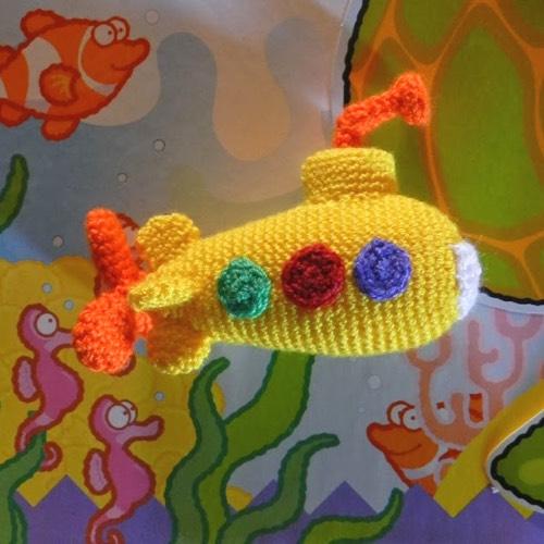 Patrón gratis amigurumi de los Beatles y el submarino amarillo ... | 500x500