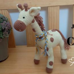 Giraffe Amigurumi Häkelanleitung von Little Bear Crochets | 260x260
